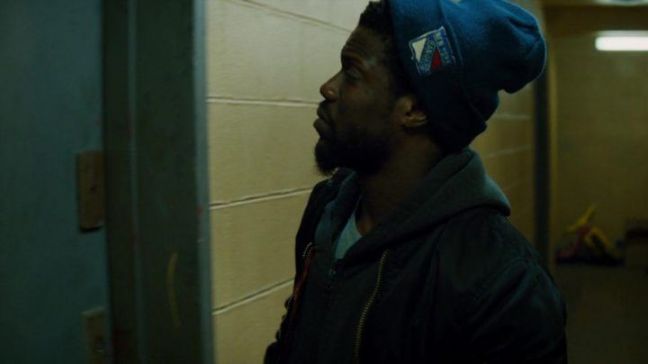 New York Rangers Beanie Blue Cap worn by Dell Scott (Kevin Hart) in The Upside Movie