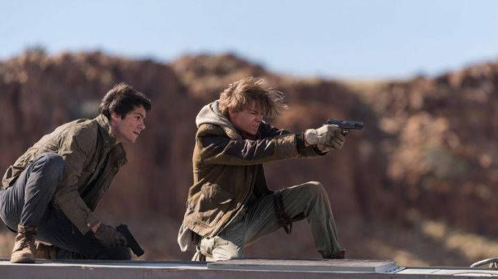 Newt's (Thomas Brodie) brown sherpa jacket as seen in Maze Runner: The Death Cure Movie