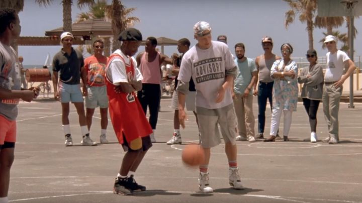 Nike Air Jordan VI black Shoes worn by Junior (Kadeem Hardison) as seen in White Men Can't Jump - Movie Outfits and Products