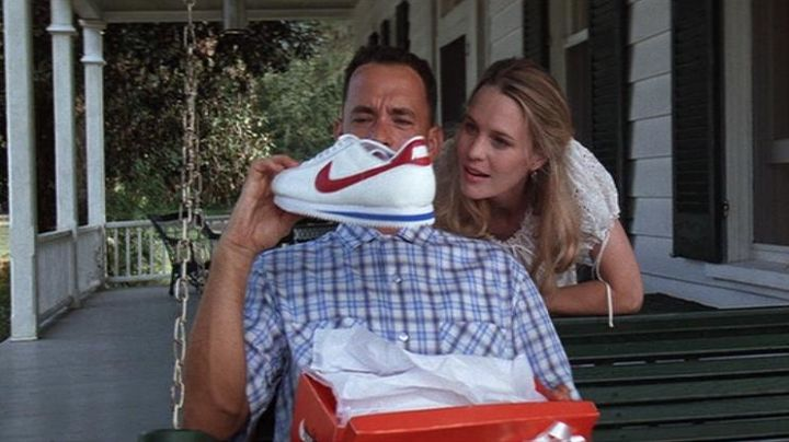 Nike Cortez Sneakers worn by Forrest Gump (Tom Hanks) as seen in Forrest Gump - Movie Outfits and Products