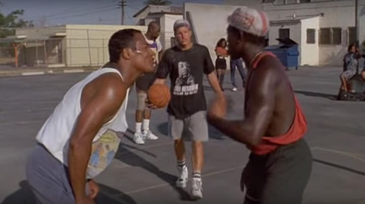 Fashion Trends 2021: Nike shoes Air Force Command Billy Hoyle (Woody Harrelson) in white do not know how to jump