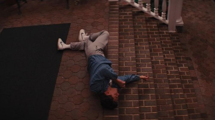 Nike shoes Cortez Jordan Belfort (Leonardo DiCaprio) in The Wolf of Wall Street - Movie Outfits and Products