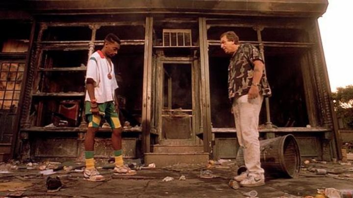 Fashion Trends 2021: Nike shoes Cortez Sal (Danny Aiello) in Do the right thing