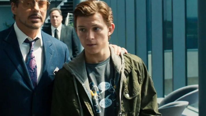 Fashion Trends 2021: Olive-Green Jacket worn by Peter Parker (Tom Holland) as seen in Spider-Man: Homecoming