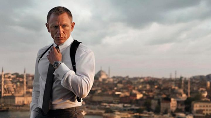 Omega Seamaster Planet Ocean 600 M worn by James Bond (Daniel Craig) as seen in Skyfall - Movie Outfits and Products