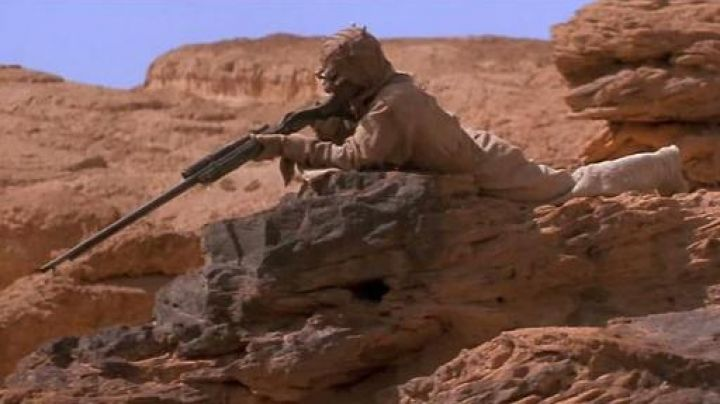 Fashion Trends 2021: Outfit and mask Tusken in Star Wars episode 4 : A new hope