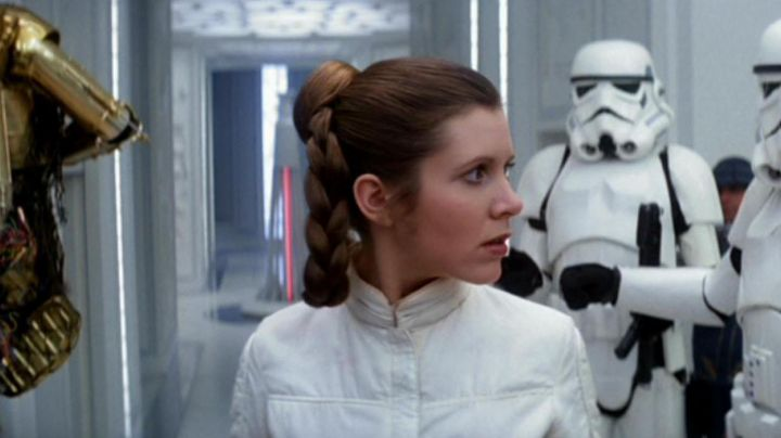 Fashion Trends 2021: Overalls white Leia Organa (Carrie Fisher) in Star Wars V : The empire against attack