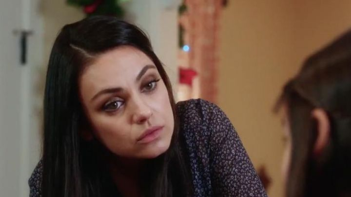 Paige Shirt worn by Amy (Mila Kunis) in A Bad Moms Christmas