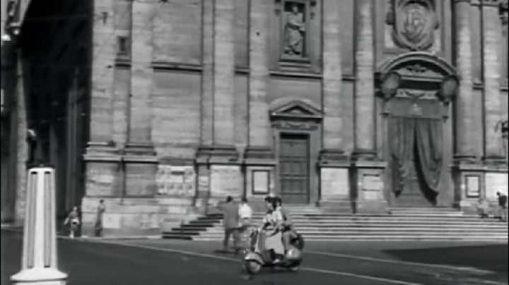 Piazza del Gesù, in Rome, roman Holiday - Movie Outfits and Products