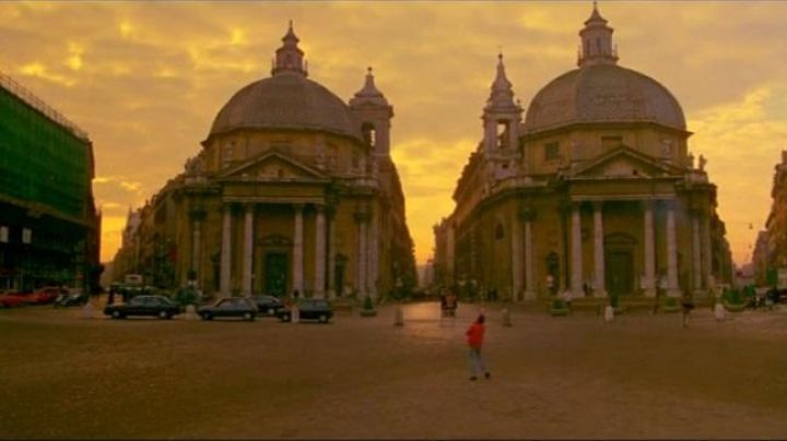 Piazza del Popolo, in Rome, My own private Idaho - Movie Outfits and Products