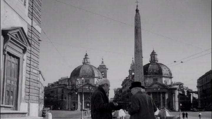 Piazza del Popolo in Rome, in Umberto D. - Movie Outfits and Products