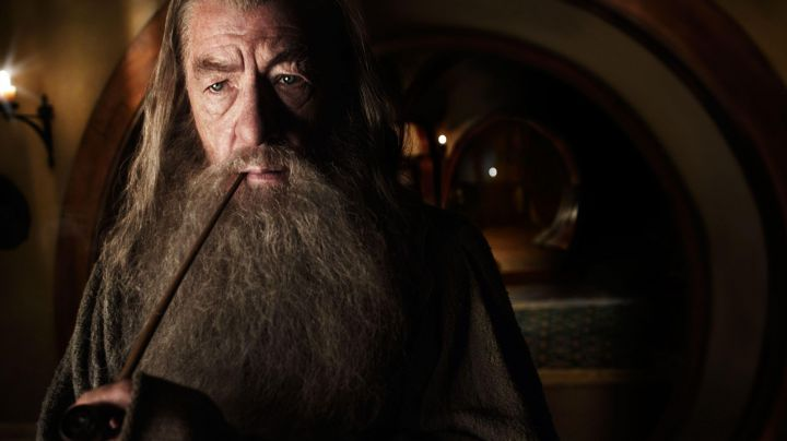 Pipe of Gandalf (Ian McKellen) as seen in The Hobbit: The Unexpected Journey - Movie Outfits and Products