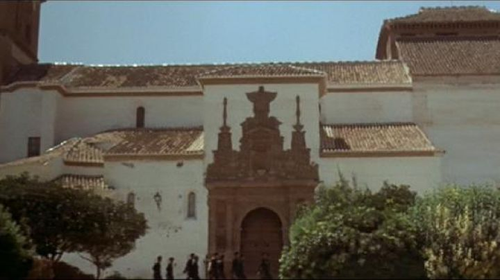 Placeta Santiago in Spain It was a time The revolution - Movie Outfits and Products