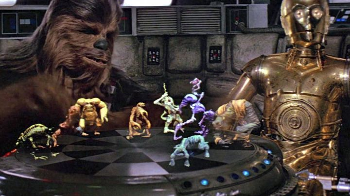 Fashion Trends 2021: Play Holochess in Star Wars IV : A new hope