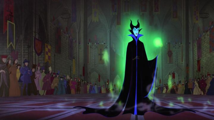 Plush of Maleficent in sleeping beauty - Movie Outfits and Products
