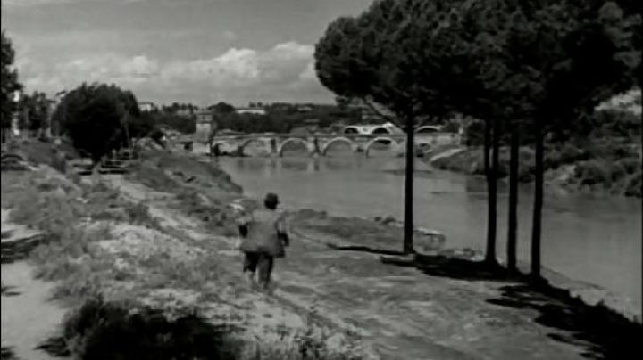 Ponte Milvio, in Rome, The bicycle thieves - Movie Outfits and Products