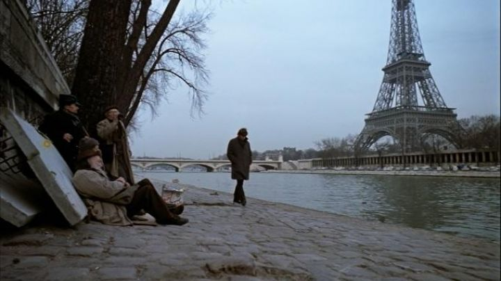 Port Debilly, Paris in The tenant - Movie Outfits and Products