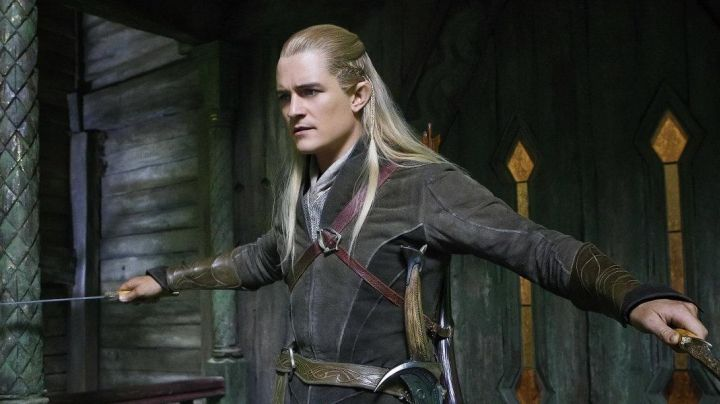 Protects wrists of Legolas (Oralndo Bloom) in The Hobbit : The desolation of Smaug movie