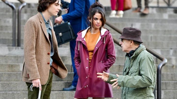 Rain coat worn by Selene Gomez as seen in the set of A Rainy Day in New York - Movie Outfits and Products