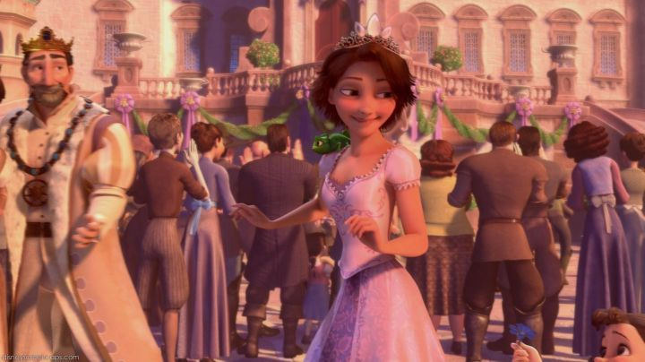 Rapunzel's final pink dress in Tangled - Movie Outfits and Products