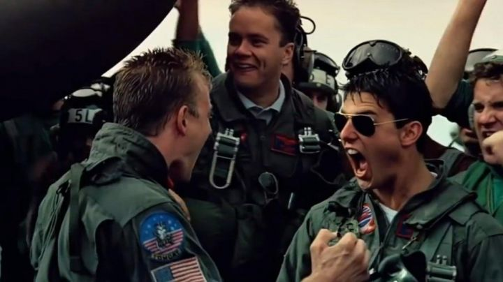 Ray-Ban Aviator Sunglasses worn by Pete Maverick (Tom Cruise) as seen in Top Gun - Movie Outfits and Products