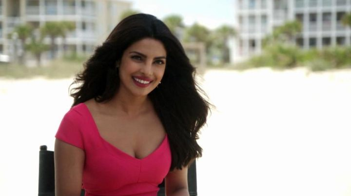 "Roland Mouret ""Casson"" Pink Dress worn by Victoria Leeds (Priyanka Chopra) as seen in Baywatch"