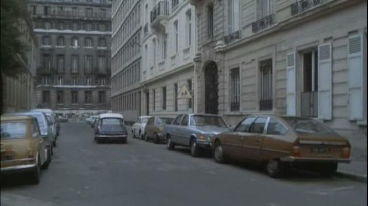 Rue Poitiers to Paris in the movie Marathon Man - Movie Outfits and Products