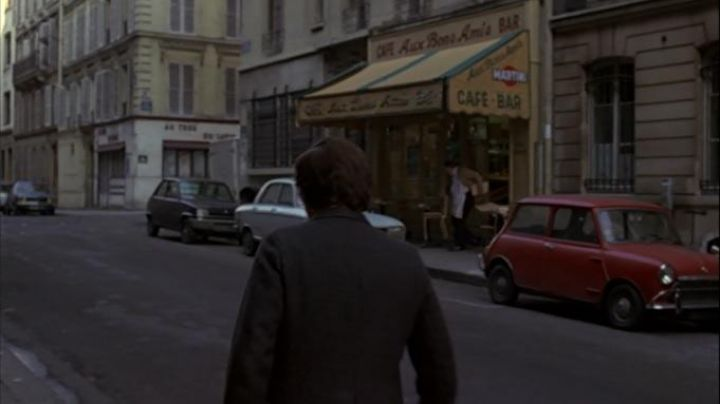 Rue la Bruyere and Rue Henner, Paris in The tenant - Movie Outfits and Products