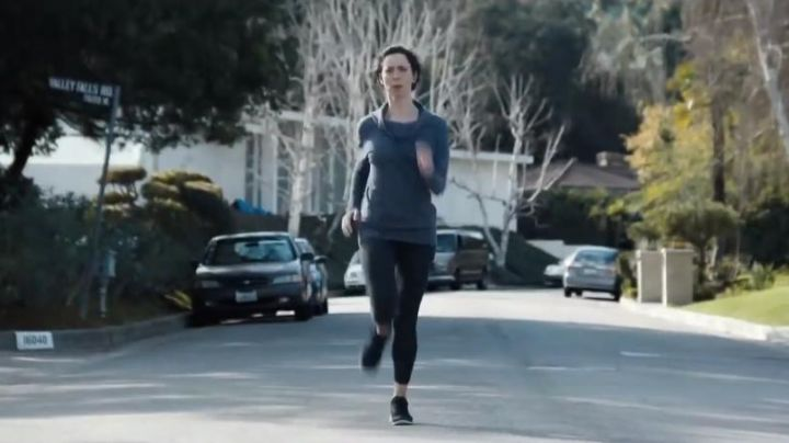 Running shoes black of Rebecca Hall in The Gift - Movie Outfits and Products