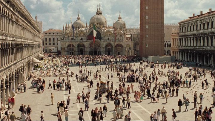 Saint Mark's Square in Venice in Casino Royale - Movie Outfits and Products