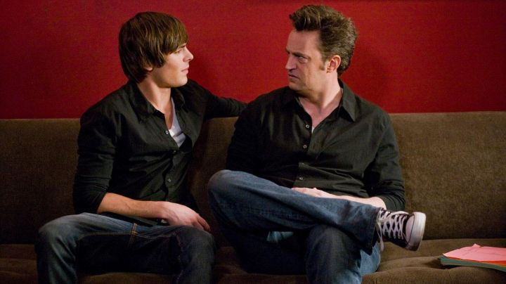 Shoes Converse Chuck Taylor blue Mike O'donnell (Matthew Perry) in 17 years - Movie Outfits and Products