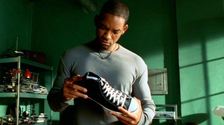 Shoes Converse of Del Spooner (Will Smith) in I