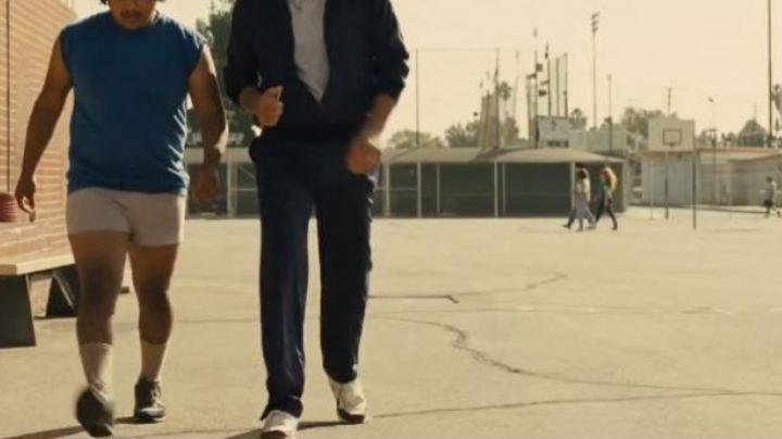 Fashion Trends 2021: Shoes Nike Air Max 1 OG Jim White (Kevin Costner) in McFarland, USA