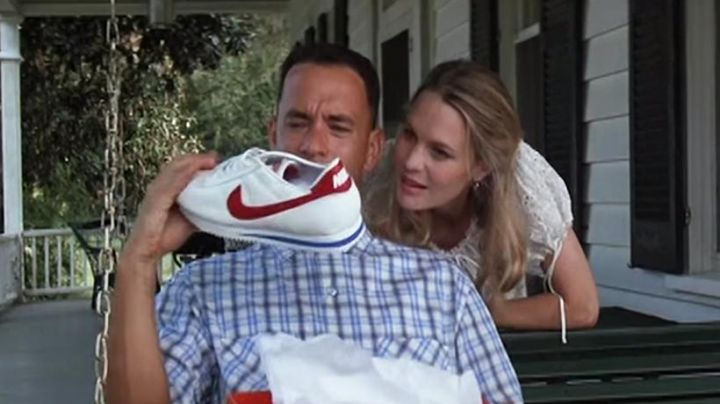 Shoes Nike Cortez OG Forrest Gump (Tom Hanks) in Forrest Gump - Movie Outfits and Products