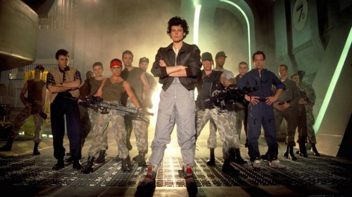 Shoes Reebok Alien Stomper Hi limited edition of Aliens The Return - Movie Outfits and Products