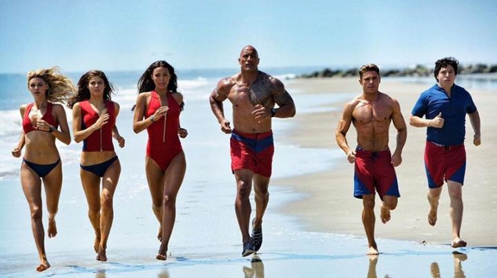 Shoes Speedo Mitch Buchannon (Dwayne Johnson) in Baywatch : baywatch speedo shoes - Movie Outfits and Products