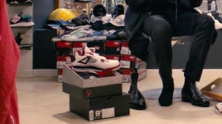 Sneakers Air Jordan 4 Retro in 16 Years Or so - Movie Outfits and Products