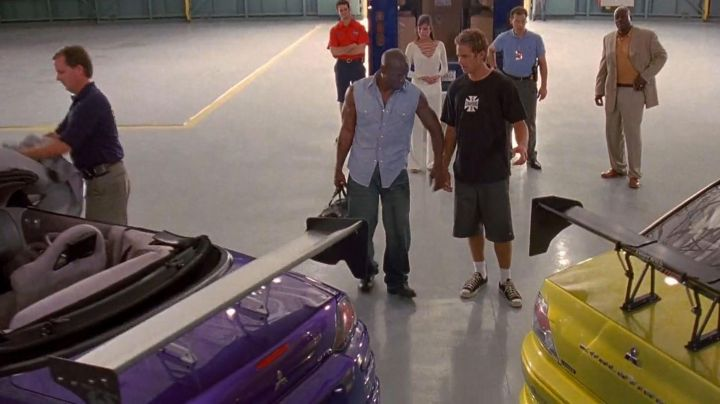 Sneakers Converse low black Brian O'conner (Paul Walker) in 2 fast 2 furious - Movie Outfits and Products