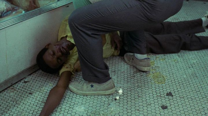 Fashion Trends 2021: Sneakers Converse one star grey in Taxi Driver