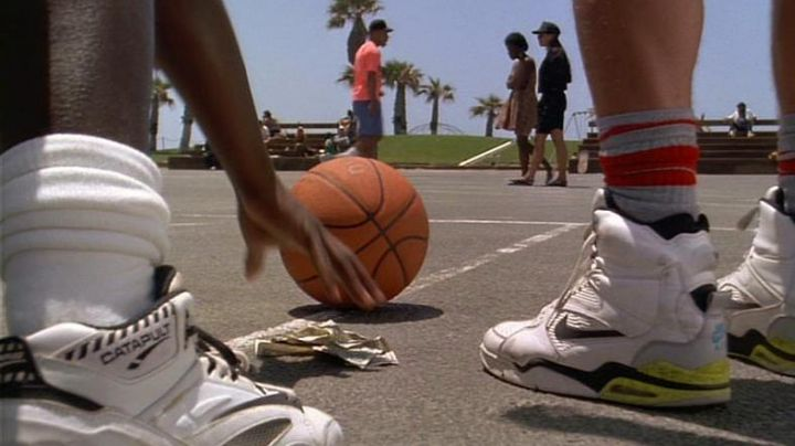 Sneakers LA GEAR Catapult a basketball in to The white do not know how to jump - Movie Outfits and Products