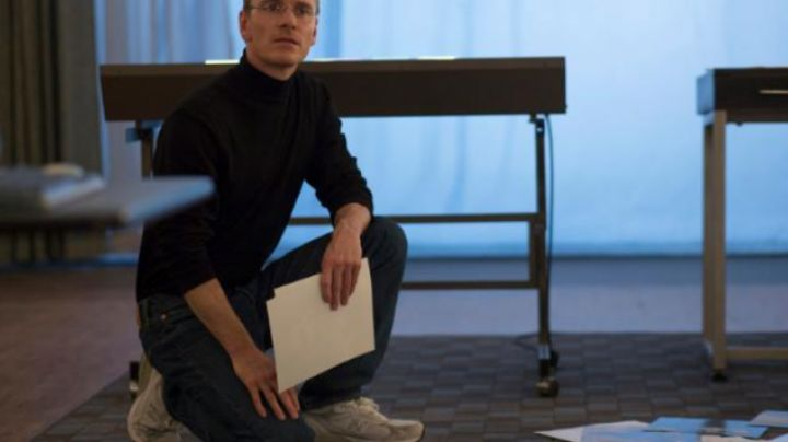 Sneakers Michael Fassbender in Steve Jobs - Movie Outfits and Products