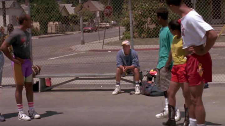 Fashion Trends 2021: Sneakers Nike Air Command Force Billy Hoyle (Woody Harrelson) in white do not know how to jump