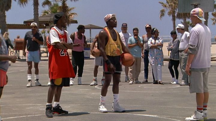 Fashion Trends 2021: Sneakers Nike Air Flight Lite High Sidney Deane (Wesley Snipes) in white do not know how to jump