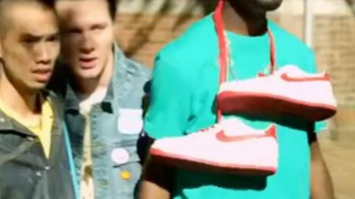 Fashion Trends 2021: Sneakers Nike Air Force 1 White and Red in Anuvahood