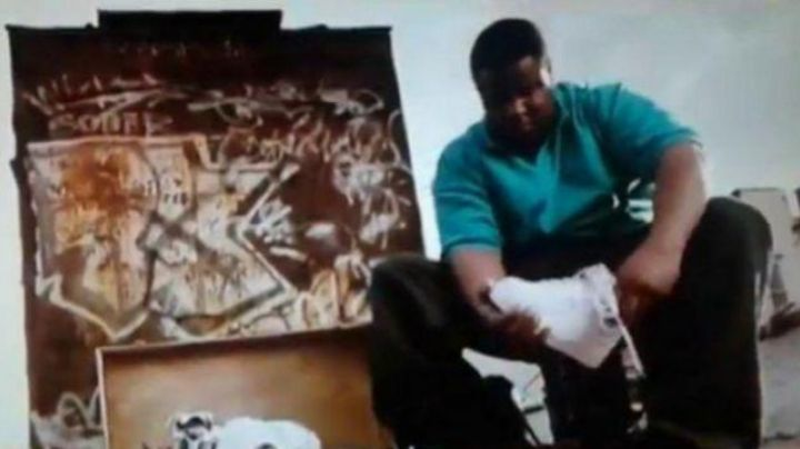 Fashion Trends 2021: Sneakers Nike Air Force one mid from Christopher in Notorious Big