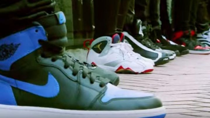 Sneakers Nike Air Jordan 1 Royal in Sneakerheadz - Movie Outfits and Products