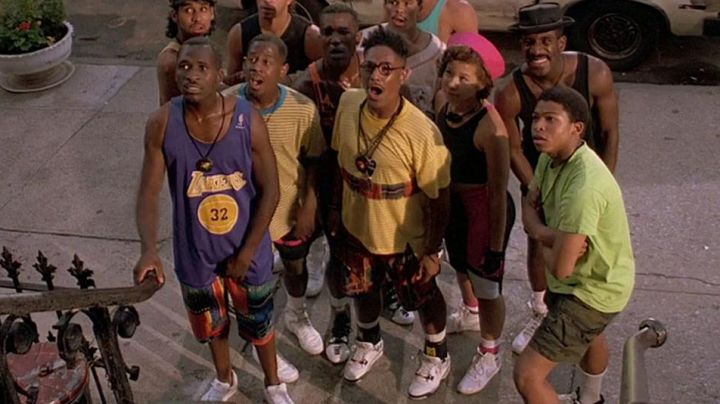 Fashion Trends 2021: Sneakers Nike Air Jordan 4 release white/cement of Buggin Out (Giancarlo Esposito) in Do the right thing