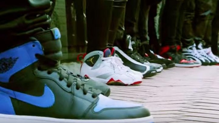 Sneakers Nike Air Jordan 7 Retro Olympic in Sneakerheadz - Movie Outfits and Products