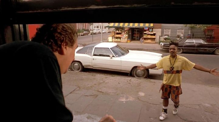 Fashion Trends 2021: Sneakers Nike Air Jordan IV of Buggin Out (Giancarlo Esposito) in Do the right thing