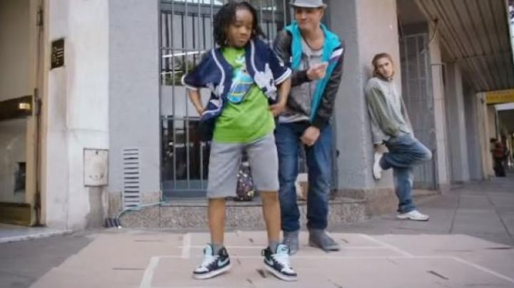 Fashion Trends 2021: Sneakers Nike Dunk SB in Born To Dance